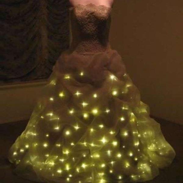 دیزاین لباس عروس با ریسه ال ای دی لامپی
